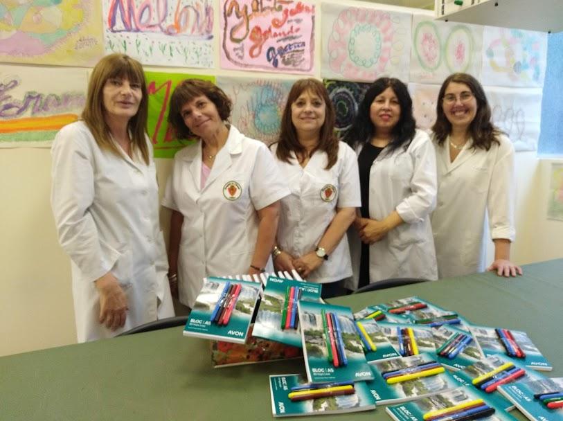 Ziliotto, Manzitto, Moreno, González y Rial con los regalitos de Ledesma y Faber- Castell